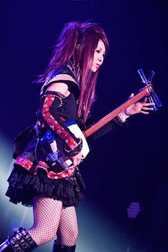 J Pop, Punk Rock Fashion, My Muse, Rock Music, Hard Rock, Japanese, Guitar Players, Musicians, Beautiful
