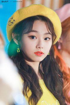 K-idol lokal ver. Kpop Girl Groups, Korean Girl Groups, Kpop Girls, Choi Yoojung, Kim Sejeong, Asian Angels, Cute Korean Girl, K Idol, Fandom