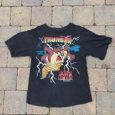"56ea72f0a77 Super dope 1995 vintage Taz Shirt! Women's Medium/Men's ""Taz - Depop Vintage"