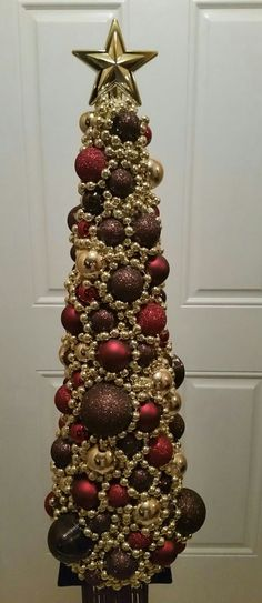 Hey, I found this really awesome Etsy listing at https://www.etsy.com/listing/245173708/elegant-christmas-tree-centerpiece