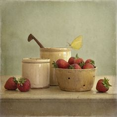 Tineke Stoffels - Strawberries And Pottery, photography by Tineke Stoffels
