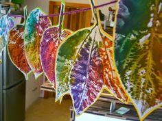 Eine Regenbogenblättergirlande für den kommenden GEBURTSTAG der 11jährigen. BILDERFLUT....... Als erstes werden ganz viele Blätt...