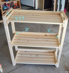 DIY: How to make a Outdoor Plant Shelf Plant Shelves Outdoor, Outdoor Plants, Outside Plants, Porch Plants, Garden Shelves, Outdoor Plant Stands, Diy Pull Out Shelves, Diy Kids Furniture, Vertical Garden Design