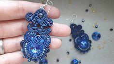 stebotavo / Kráľovské modré šité štebotavé šujtášové náušnice