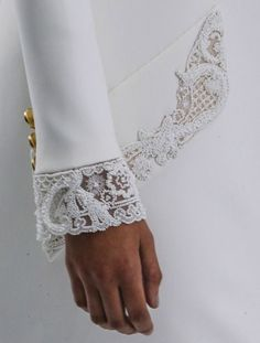 Chanel Haute Couture F/W 2014 detail Couture Details, Fashion Details, Fashion Design, Chanel Fashion, Couture Fashion, White Fashion, Love Fashion, Moda Chanel, Chanel Couture