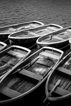 Featured photo by Ghost Presenter. Discover more free photos from Ghost: https://www.pexels.com/u/ghost-presenter-21273 #black-and-white #boats #river