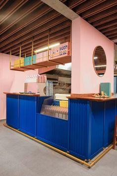 Futura pairs pink and blue at Mexico City coffee shop Motín Coffee Shop Interior Design, Coffee Shop Design, Cafe Interior, Cafe Design, Design Design, Coffee Shop Branding, Design Ideas, Architecture Restaurant, Restaurant Design