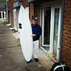"Walmir collecting his 6'10"" custom pintail. #visionary #custommade #shortboard #surfboards #surfboard #madetoorder http://ift.tt/19MEsb6 http://ift.tt/1v0LElc"