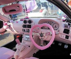 Hello Kitty car - It's a bit too much but it's still kinda cute