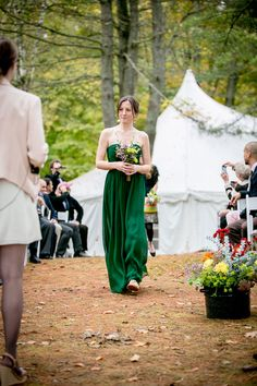 Early Fall Autumn New England Lakeside Wedding With Earthy Rustic Details And Canoe Arrival | Photograph by Ampersand Wedding Photography  http://www.storyboardwedding.com/autumn-forest-delight-sets-the-tone-for-a-new-england-lake-side-wedding/