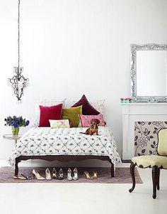 if im ever single again my bedroom will look like this - dog, shoes, and pretty things : )