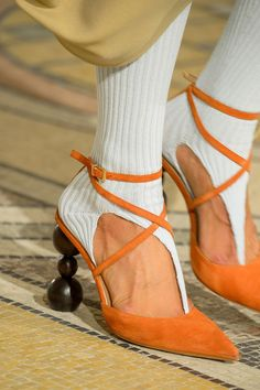 Fall 2018 Shoe Trends - Shoe Runway Trends Fall 2018 https://coolfashion2k.weebly.com/