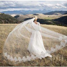 Veils: 11 Stunning Veils We Spotted on Instagram // How Beautiful is @christianothstudio 's work!
