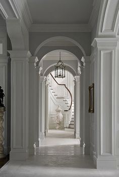 Traditional Staircase Design Ideas, Pictures, Remodel and Decor Classic Interior, Luxury Interior Design, Interior Architecture, French Design Interiors, French Architecture, Victorian Architecture, Classical Architecture, Traditional Staircase, Staircase Design