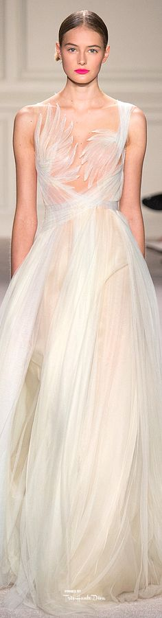 I coukd never wear it... but it is art. Like a ballet costume. Marchesa Spring 2016 RTW ♔ Très Haute Diva ♔