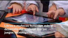 Los libros, bloques y otros juguetes tradicionales son mejores que los aparatos electrónicos que emiten sonidos