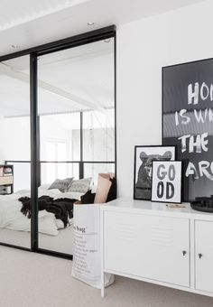 vosgesparis: White Scandinavian loft bedroom