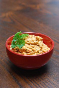 veggie broodbeleg: tomatencrème (met tofu, verse tomaat, ajuin, wortel, kruiden)