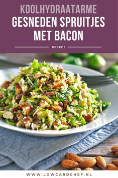 Sliced ​​Brussels sprouts with bacon - A tasty and healthy low-carbohydrate main course, sliced ​​Brussels sprouts with bacon, onion a - Healthy Low Carb Recipes, Healthy Chicken Recipes, Clean Eating Diet, Clean Eating Recipes, Enjoy Your Meal, Vegetable Soup Healthy, Lard, Le Diner, Vegan Dinners