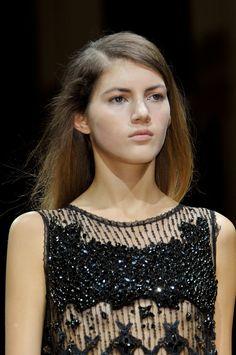 Close-up défilé Sharon Wauchob, prêt-à-porter printemps-été 2014, Paris. #PFW #fashionweek #closeup