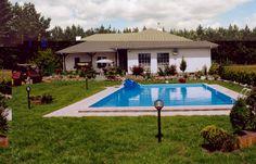 www.mojbasen.pl - baseny Toruń, zadaszenia basenowe, sauny, jacuzzi. Wiadomo, że budowa basenów przydomowych jest bardzo ekscytująca, ponieważ każdy z nas chciałby mieć dom z basenem. Jest to bardzo komfortowe i niezwykle ekskluzywne. Warto się o to postarać, bo przecież ludzie powinni sobie zapewnić odrobinę luksusu. Musimy pamiętać, że jest to jednak ważna inwestycja, która powinna być zrealizowana w sposób przyzwoity przez fachowców, którzy znają się na rzeczy i wiedzą, o co chodzi.