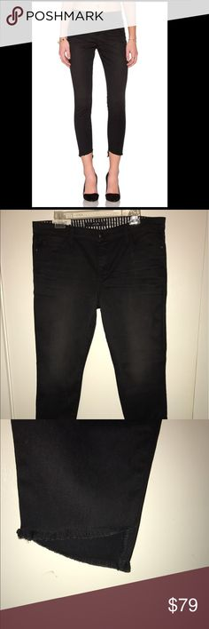 Joes jeans blondie ankle mid rise skinny Sz. 32 Brand new pair of very cute Joes jeans skinny ankle jeans Sz. 32 distressed black Joe's Jeans Pants Skinny