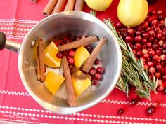 Make your home smell like Christmas with this simmering stovetop potpourri!