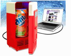 The USB beverage cooler is retro stylish with a blue LED light inside. This gadget keeps your beverage cool in a stylish way. Your office mates will be jealous. Cool Desk Gadgets, Usb Gadgets, Home Gadgets, Awesome Gadgets, Kitchen Gadgets, Fridge Cooler, Mini Fridge, Refrigerator, Food Cooler