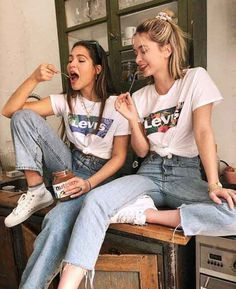 Ideas for memes best friends girls bff Bff Pics, Cute Friend Pictures, Cute Photos, Hipster Pictures, Sister Photos, Shooting Photo Amis, Best Friend Fotos, Best Friend Things, Look 80s