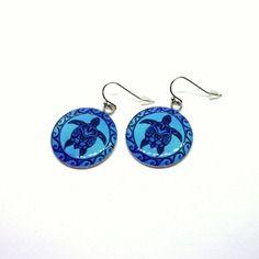 Boucles d'oreilles cabochons résine 25mm motifs tortue, couleur bleue