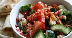 Traditional Arabic Salad Caprese Salad, Fruit Salad, Arabic Salad, Food Design, Guacamole, Potato Salad, Salads, Vegan Recipes, Good Food