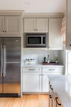 Black Kitchen: Awesome Models and Photos! - Home Fashion Trend Kitchen Cupboard Designs, Kitchen Redo, Kitchen Layout, Home Decor Kitchen, Kitchen Interior, New Kitchen, Home Kitchens, Kitchen Remodel, Updated Kitchen