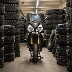 BMW S1000XR  http://ift.tt/2pSIn7Z Blog: http://lumenatic.com  #motorrad #bmw #s1000xr #motorbike #motorcycle #hannover #reifenerneuerungstechnik #reifen #bmwmotorrad
