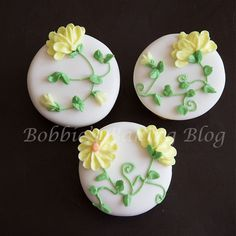 How To Make Royal Icing Daisies