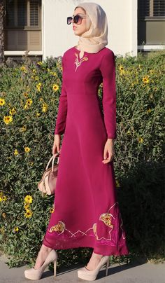 Fast shipping and 30 day returns on chic Modest Maxi Dresses, Caftans, Jilbabs and Abayas. Muslim Evening Dresses, Muslim Dress, Formal Dresses, Modest Maxi Dress, Cut And Style, Flare Skirt, Islamic, Chiffon, Stylish