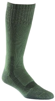 Fox River Military Wick Dry #Maximum Mid Calf Boot Sock (Med/Green) Made by #FoxRiver #Color #Foliage Green. BEST MILITARY SOCK ON THE MARKET: Medium-weight FoxSox take all your duty can dish out; extra cushioning softens the blows your feet take every day, quick-dry fibers make washing a simple task, superb fit minimizes bunching and blistering
