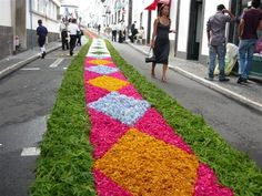 Ponta Delgada, Sao Miguel Acores.  I've seen this done in the states.  Incredible.