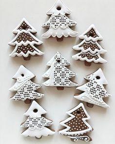 Veronika Kralova& media content and analytics. Christmas Biscuits, Christmas Sugar Cookies, Christmas Sweets, Christmas Cooking, Noel Christmas, Christmas Goodies, Holiday Cookies, Christmas Crafts, Iced Cookies