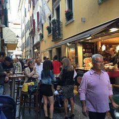 #FriuliDOC Tutto esaurito da Masé in via Mercerie a #Udine. Visita il nostro sito www.cottomase.it!  #cottomase #cottotrieste #slowfood #streetfood #gamberorosso #tradizione e #gusto #cracco #bastianich #giallozafferano #foodporn #Expo2015 #Milano #food #eat #eating #italian #italy #ham #made #in #trieste #cotto #quality #masterchef