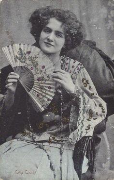 Lily Elsie (popular English actress and singer during the Edwardian era), c. Vintage Gypsy, Mode Vintage, Vintage Girls, Vintage Beauty, Vintage Pictures, Vintage Images, Lily Elsie, Foto Real, Silent Film Stars