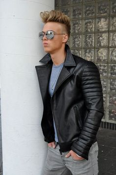 Choosing The Right Men's Leather Jackets. A leather coat is a must for every single guy's closet and is also an excellent method to express his personal design. Leather coats never ever head Leather Jacket Outfits, Leather Jeans, Leather Jackets, Fashion Moda, Fashion Wear, European Models, Lucky Blue Smith, Revival Clothing, Rugged Men