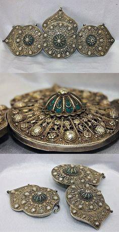 Silver and enamel/niello Ottoman belt buckle   2,500$