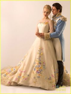 Lily James: See Cinderella's Wedding Gown NOW! | lily james cinderella wedding dress see pics 02 - Photo