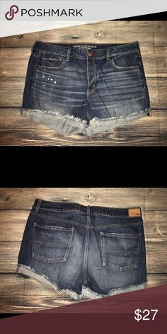American eagle shorts 16 NWOT midi New without tags! American Eagle Outfitters Shorts Jean Shorts