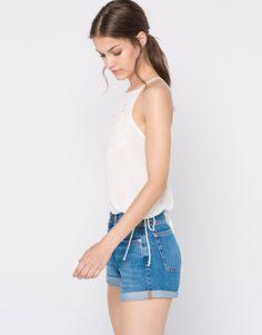 Pull&Bear - mujer - ropa - blusas y camisas - top halter bordado espalda abierta - hielo - 09470353-I2016