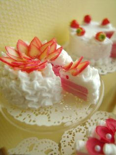 Miniature Strawberry Flower Cake    1/12 Scale by snowfern on Etsy, $51.00
