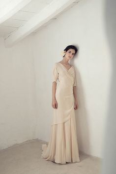 Wedding Dress Ideas, Designers & Inspiration : Yu dress from Cortana wedding dresses Bridal Collection – Blush silk georgette dress with length sleeves, a cross at the front tying at … Wedding Dress Styles, Designer Wedding Dresses, Bridal Dresses, Wedding Robe, Wedding Gowns, Lace Wedding, Japanese Wedding, Wedding Hair Inspiration, Casual Wedding