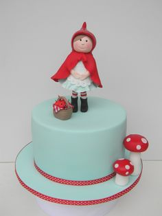 cutest little red riding hood cake