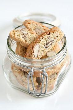 i Biscotti di Prato detti anche Cantucci