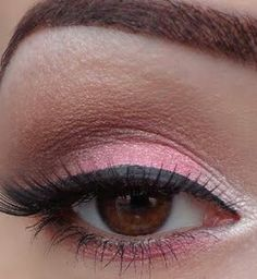 Pink eyeshadow for my next bride, she's a pink lover!